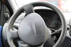 колесо перевозки управления рулем автомобиля нутряное Стоковая Фотография