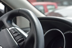 колесо перевозки управления рулем автомобиля нутряное Стоковые Фото