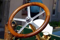 колесо перевозки управления рулем автомобиля нутряное Стоковое Изображение RF