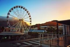 Колесо портового района Кейптауна на заходе солнца Стоковые Фото
