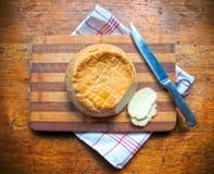 Колесо традиционного домодельного сыра Стоковая Фотография