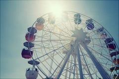 Колесо Ferris над голубым небом стоковое изображение rf
