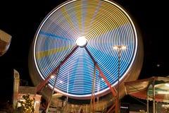 Колесо Ferris на езде Riverside County фестиваля даты справедливой молния стоковые изображения