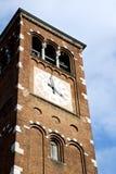 Колокола башни церков Legnano день старого солнечный Стоковые Изображения RF