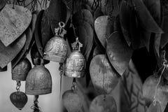 Колоколы вися под большим Буддой в Пхукете, Таиланде Стоковое фото RF
