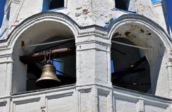 Колокольня и колокол в церков Стоковые Фото