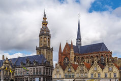 Колокольня и церковь Святого Walburga, Veurne, Бельгии Стоковые Фото