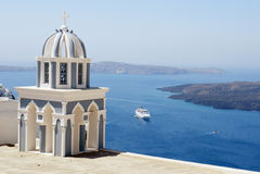 Колокольня на острове Santorini, Греции Стоковое Изображение