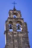 Колокольня покрывает колокольня церков Санто Доминго Стоковое Фото