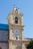 Колокольня часов проходя восстановление в старом городке в Валлетте, Мальте Стоковая Фотография