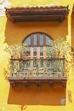 колониальная дом детали Балкон с цветками Cartagena de Я Стоковые Изображения RF