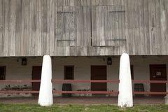 Колониальные двери амбара Стоковое фото RF