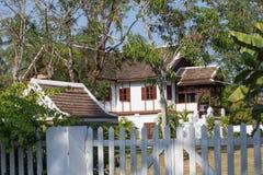 Колониальный точный дом ЮНЕСКО защитил Luang Prabang стоковое фото