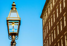 Колониальный уличный фонарь на сумраке в Бостоне Стоковая Фотография RF