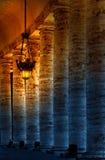 Колоннада на квадрате Sr.Peter. Рим. Ландшафт города Italy.Night Стоковое Изображение RF