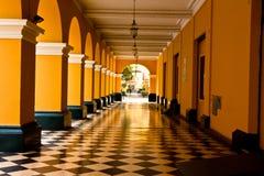 Колоннады в мэре площади (в прошлом, Площадь de Armas) Лимы, pe Стоковые Изображения RF
