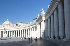 Колоннады квадрата St Peter s, Рима Стоковые Фотографии RF