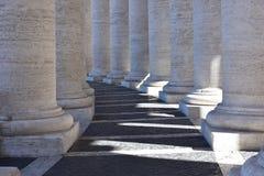 Колоннады St Peter квадратные, Ватикан Стоковая Фотография