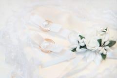 2 кольца золота свадьбы золота романско Стоковое Изображение RF
