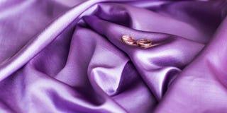 кольца золота wedding Стоковые Изображения