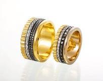 Кольца диамантов свадьбы золота Стоковые Фотографии RF