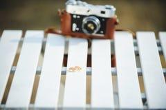 Кольца и камера на парке Стоковые Фото