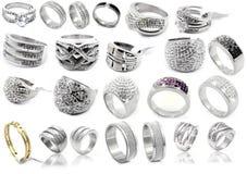 Кольца - комплект ювелирных изделий на белой предпосылке Стоковые Фото