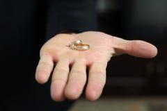 Кольца на ладони Стоковая Фотография