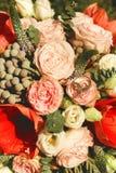 2 кольца на большом красивом букете роз Стоковое Изображение RF
