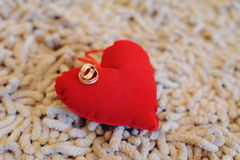 2 кольца на сердце Стоковое Изображение