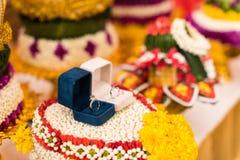 Кольца пар для тайских захвата и свадебной церемонии Стоковые Изображения RF