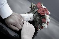 кольца рук wedding Стоковые Фото