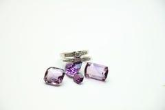 Кольца с бриллиантом на драгоценных камнях Стоковая Фотография RF
