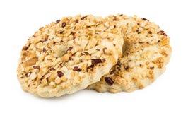 2 кольца shortbreads при арахисы изолированные на белизне Стоковое Фото