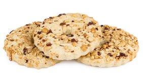 3 кольца shortbreads при арахисы изолированные на белизне Стоковое Фото