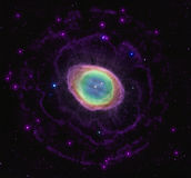 Кольцеобразная туманность в предпосылке космоса звезд Стоковое Изображение