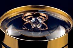 Кольцо золота с brilliants Стоковое фото RF