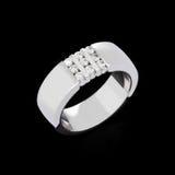 кольцо диамантов золотистое стоковое фото rf