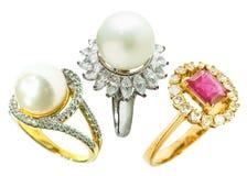 Кольцо кольца с бриллиантом и жемчуга Стоковая Фотография RF