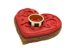 Кольцо на сердце стоковое фото rf