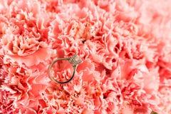 Кольцо с бриллиантом Стоковые Изображения