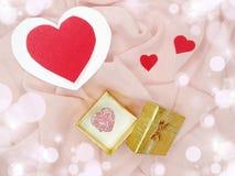 Кольцо ювелирных изделий с концепцией влюбленности формы сердца Стоковая Фотография RF