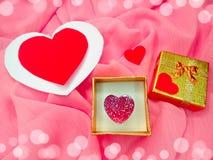 Кольцо ювелирных изделий с концепцией влюбленности формы сердца Стоковое Изображение