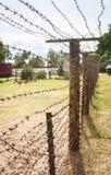колючий провод загородки Парк Grutas стоковые фотографии rf