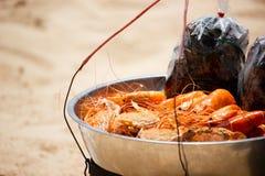Краб и моллюск креветки морепродуктов пляжа стоковая фотография