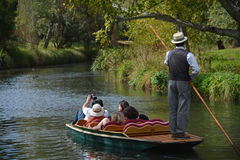 Punting вниз с реки Стоковое Фото