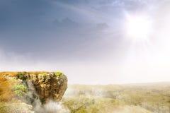 Край скалы с ландшафтами стоковые фотографии rf