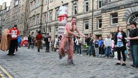 Край фестиваля Эдинбурга на королевской миле сток-видео