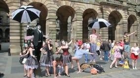 Край фестиваля Эдинбурга на королевской миле акции видеоматериалы