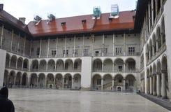 Краков 19,2014 -го август: Двор в Кракове, Польша королевского дворца Wawel Стоковая Фотография